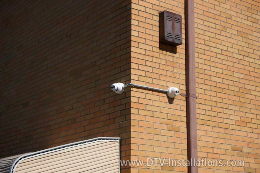 Corner CCTV cameras on public school NY