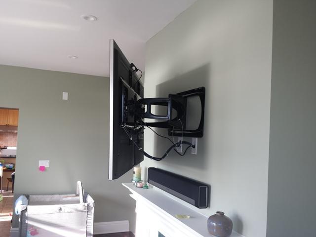 Universal Full Motion Tv Wall Mount